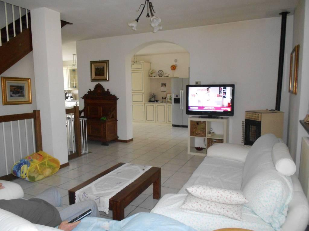 foto  Villa viale Rimembranza, Limido Comasco