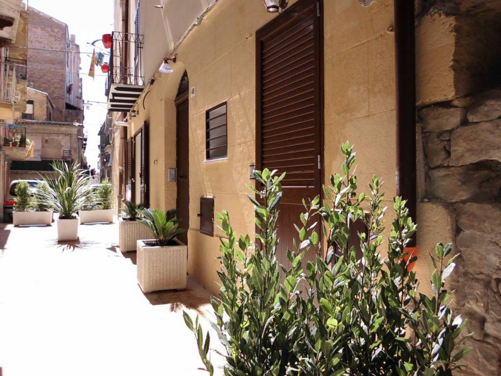 foto  Building via Giacomo Matteotti 46, Caltanissetta