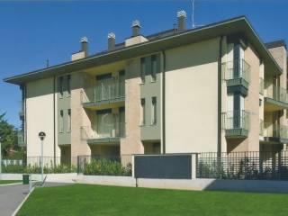 Foto - Trilocale via Insubria 3, Lomazzo