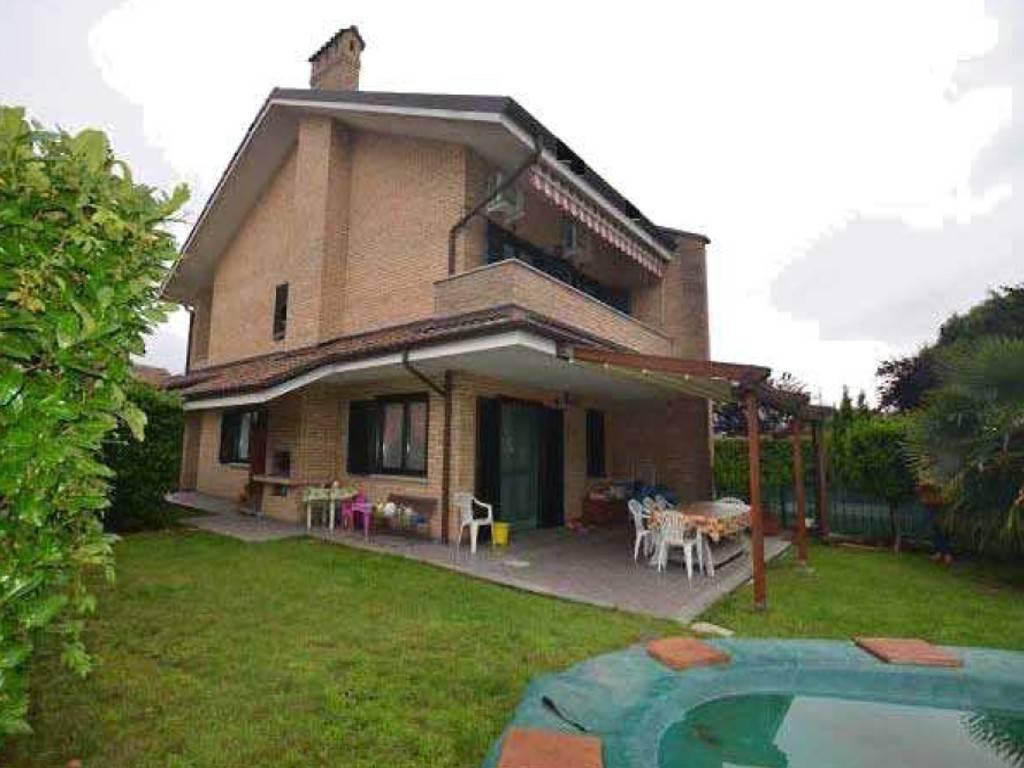 foto Esterno Villa Strada Borgata Paradiso 76-13, Settimo Torinese
