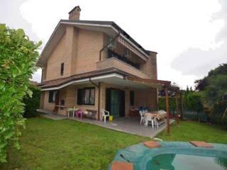 Foto - Villa Strada Borgata Paradiso 76-13, Paradiso, Settimo Torinese