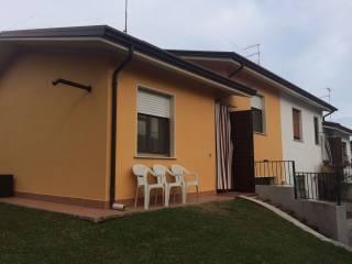Foto - Villa via Caduti sul Lavoro 7D, Quistello