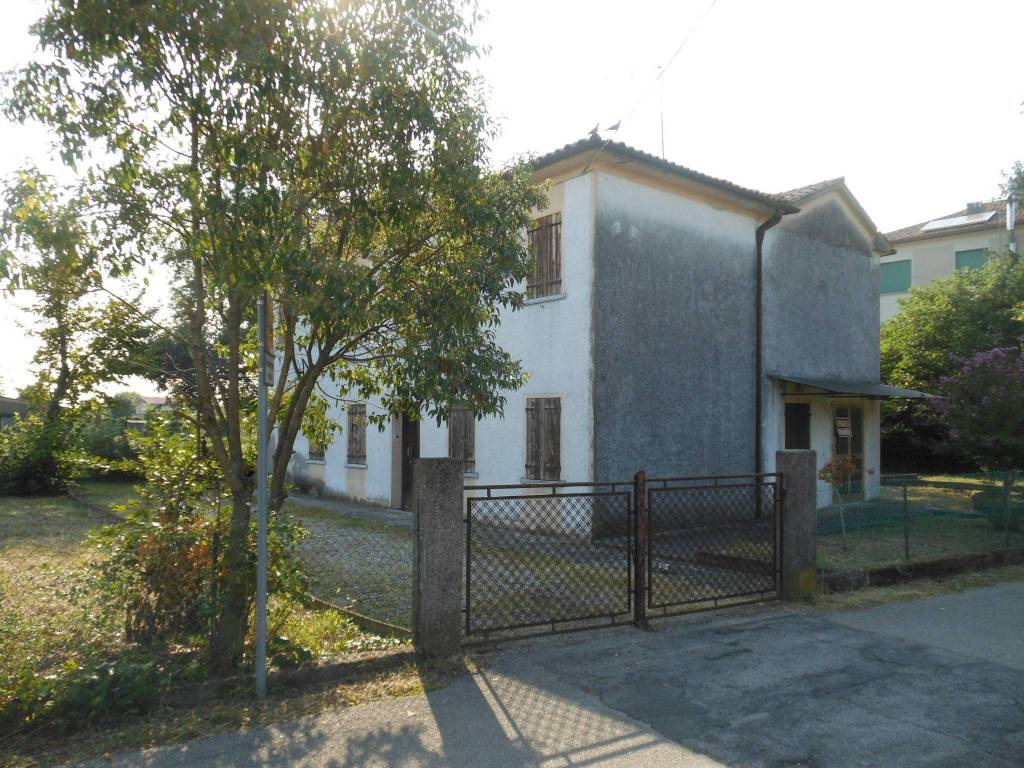 foto  Villa, da ristrutturare, 160 mq, Povegliano