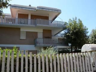 Foto - Box / Garage viale Stella Polare, Lavinio-Lido di Enea, Anzio