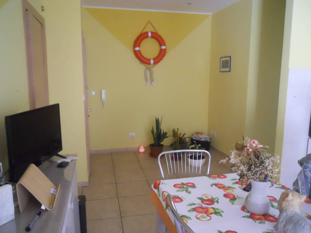 Bagni Pescetto Albisola Superiore : Vendita appartamento albisola superiore trilocale in via maggio