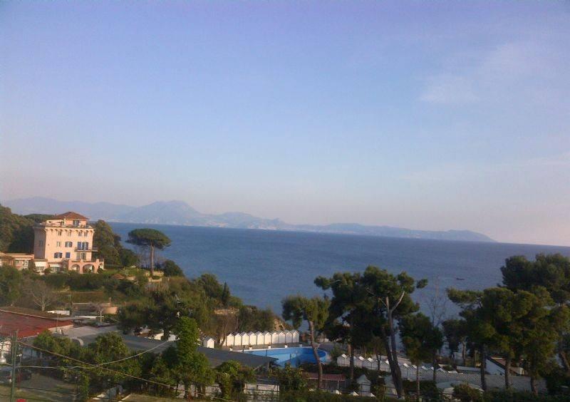Vendita Villa in via Posillipo Napoli. Buono stato, posto auto ...