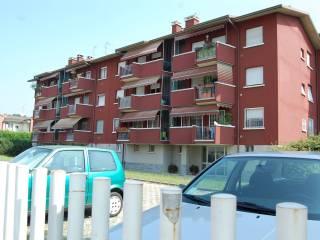 Foto - Trilocale via Caduti per la Patria 42, Lesmo