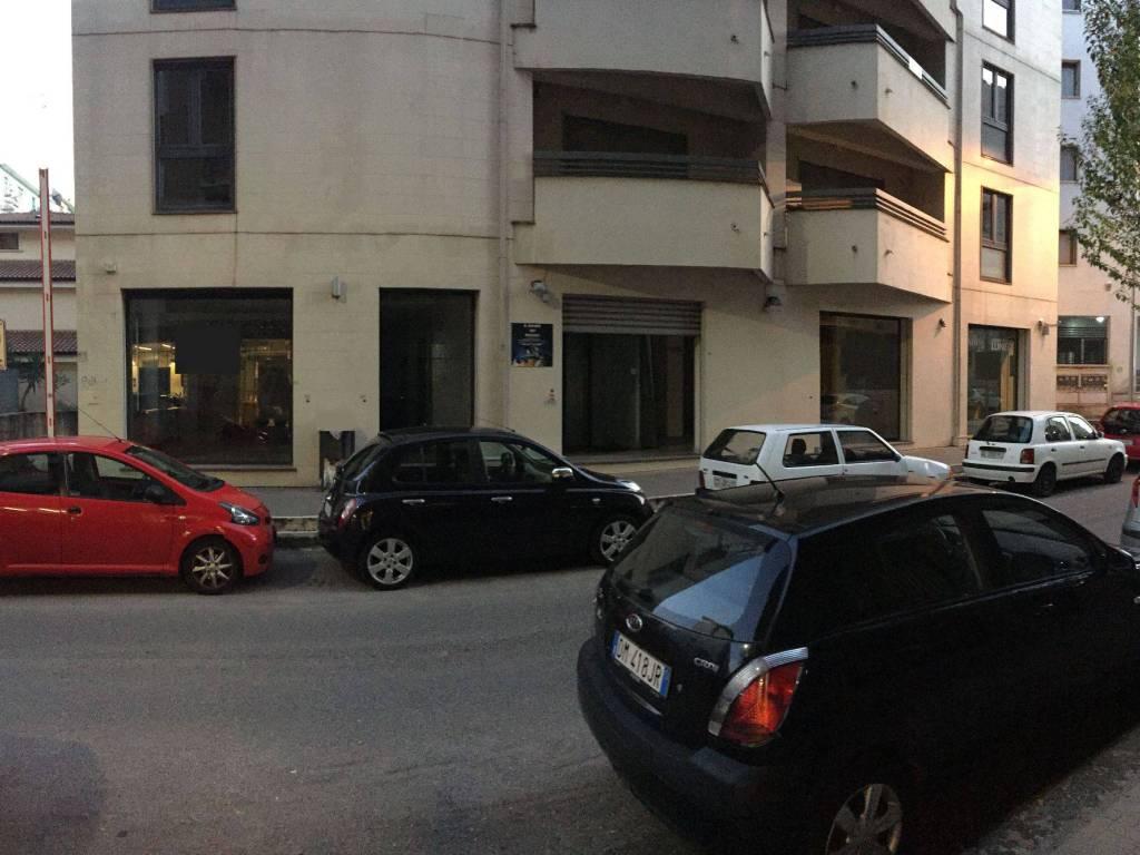 foto  Magazzino in Affitto a Cosenza