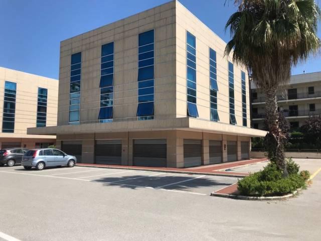 Ufficio Casalnuovo : Uffici in affitto a casalnuovo di napoli in zona viale dei tigli