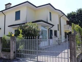 Foto - Villa bifamiliare via Giuseppe Mazzini 83, Merlara