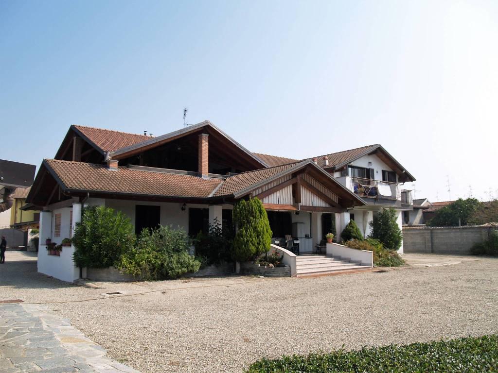 foto Facciata Villa bifamiliare, ottimo stato, 380 mq, Vercelli