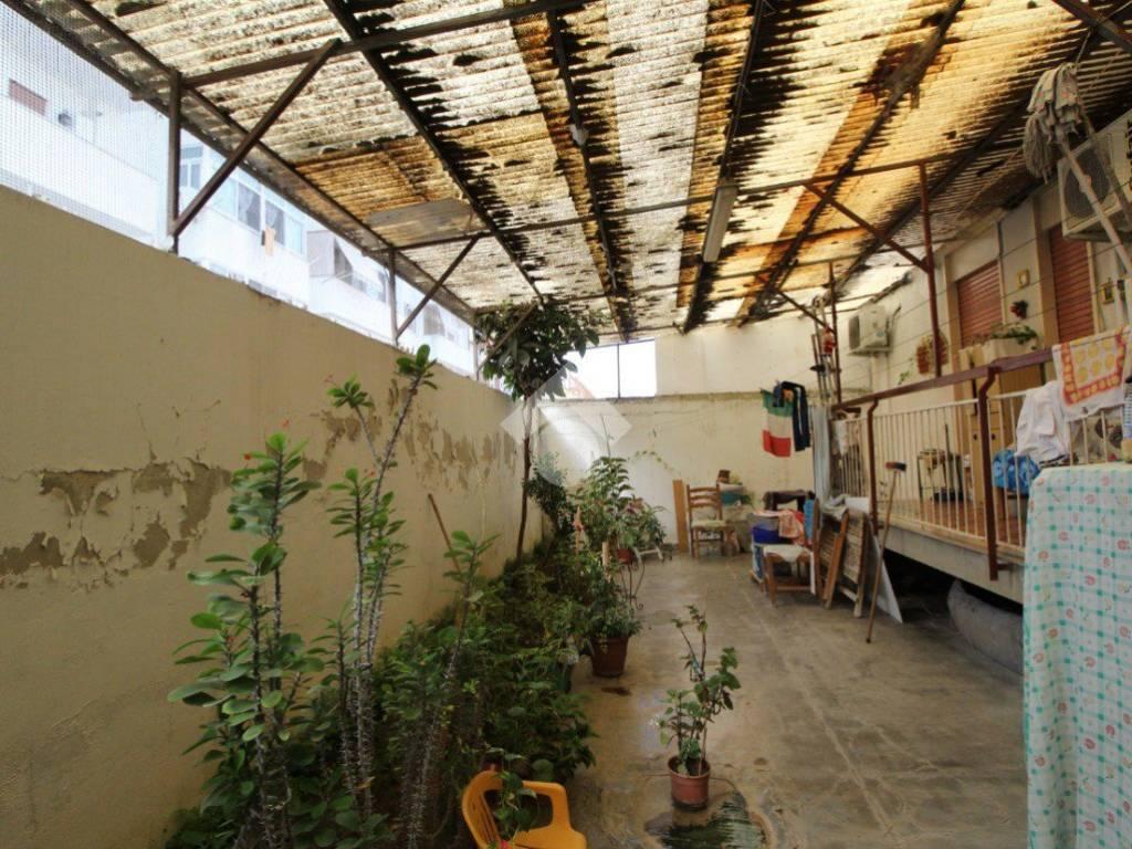 Le Candele Palermo.Vendita Appartamento In Via Niccolò Candela Palermo Buono