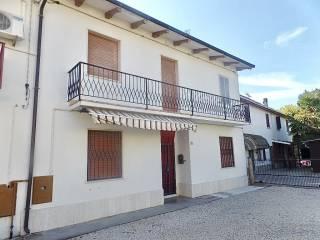 Foto - Villetta a schiera via Confine Superiore 14, Molinella
