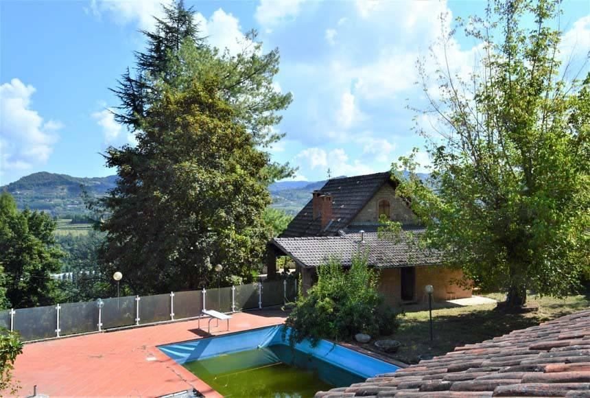 foto  Villa unifamiliare Strada Bergolo 28, Cortemilia