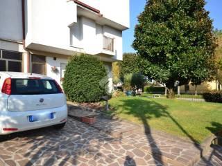 Foto - Casa indipendente via Cavalieri di Vittorio Veneto, -1, Pontevico