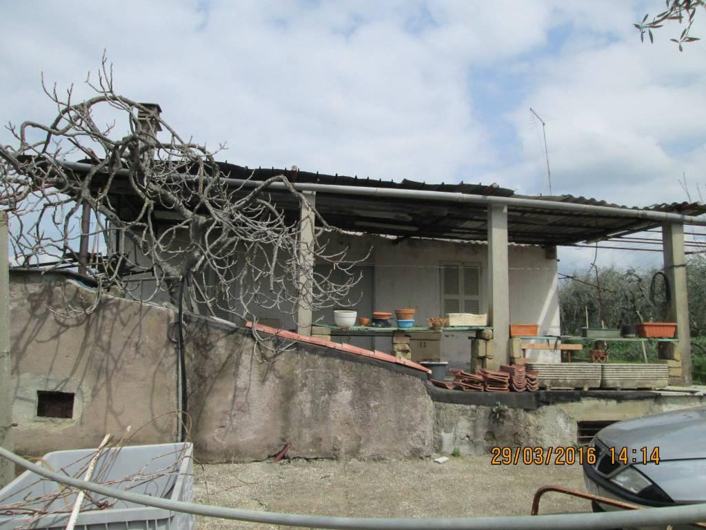foto  Country house, to be refurbished, 120 sq.m., Gallicano nel Lazio
