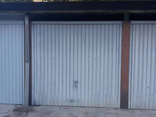 Foto - Box / Garage via Ermenegildo Gallardi, Vercelli