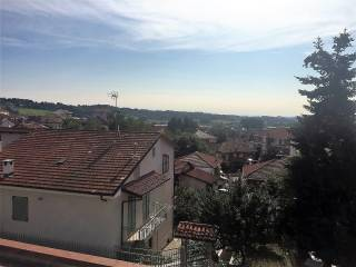Foto - Trilocale via Aghemio 35, Villafranca d'Asti