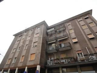 Foto - Trilocale via Giuseppe Pirovano 33, Legnano