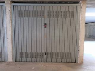 Photo - Car box / Garage via Tiraboschi, Trescore Balneario