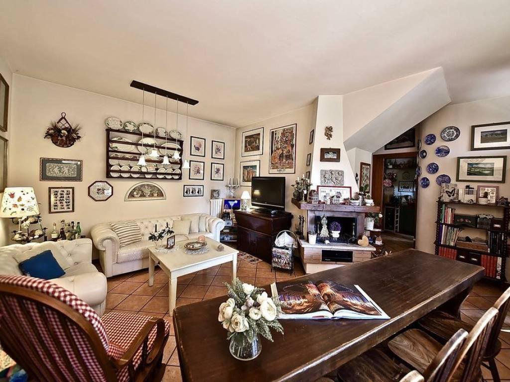 foto  Villa via Benedetto Marcello 2, Monza