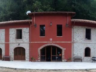 Foto - Villa via Edificio del Ferro 16-18, Tolfa