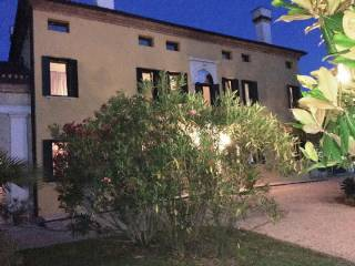 Case in Vendita: Rovigo Villa via Umberto I 27-c, Rovigo