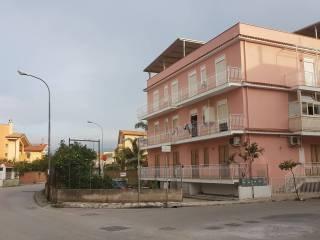 Foto - Trilocale via Piersanti Mattarella 1, Oliveri
