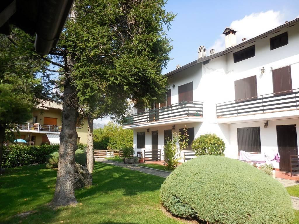 foto Giardino condominiale Bilocale ottimo stato, primo piano, Ballabio