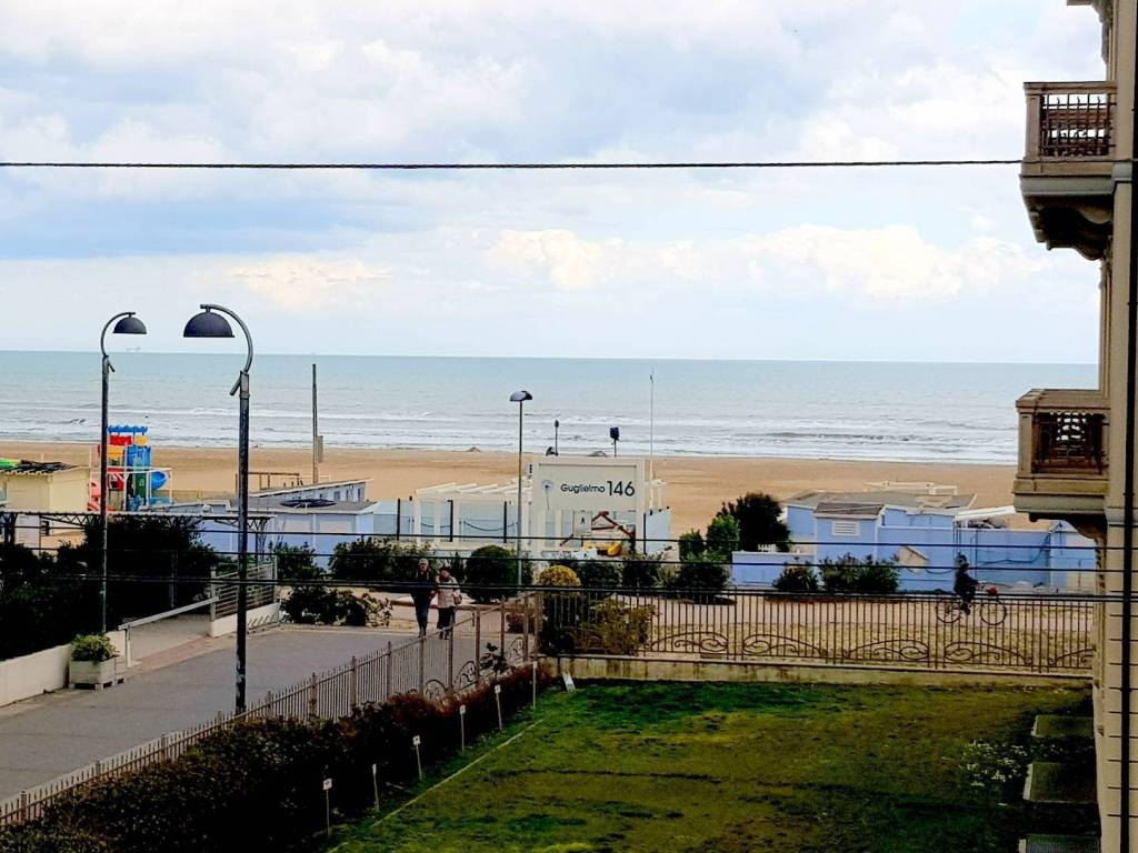 foto  Quadrilocale viale Principe Amedeo, 37, Rimini