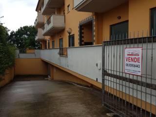 Foto - Box / Garage piazza Lotte Contadine, Genzano di Roma