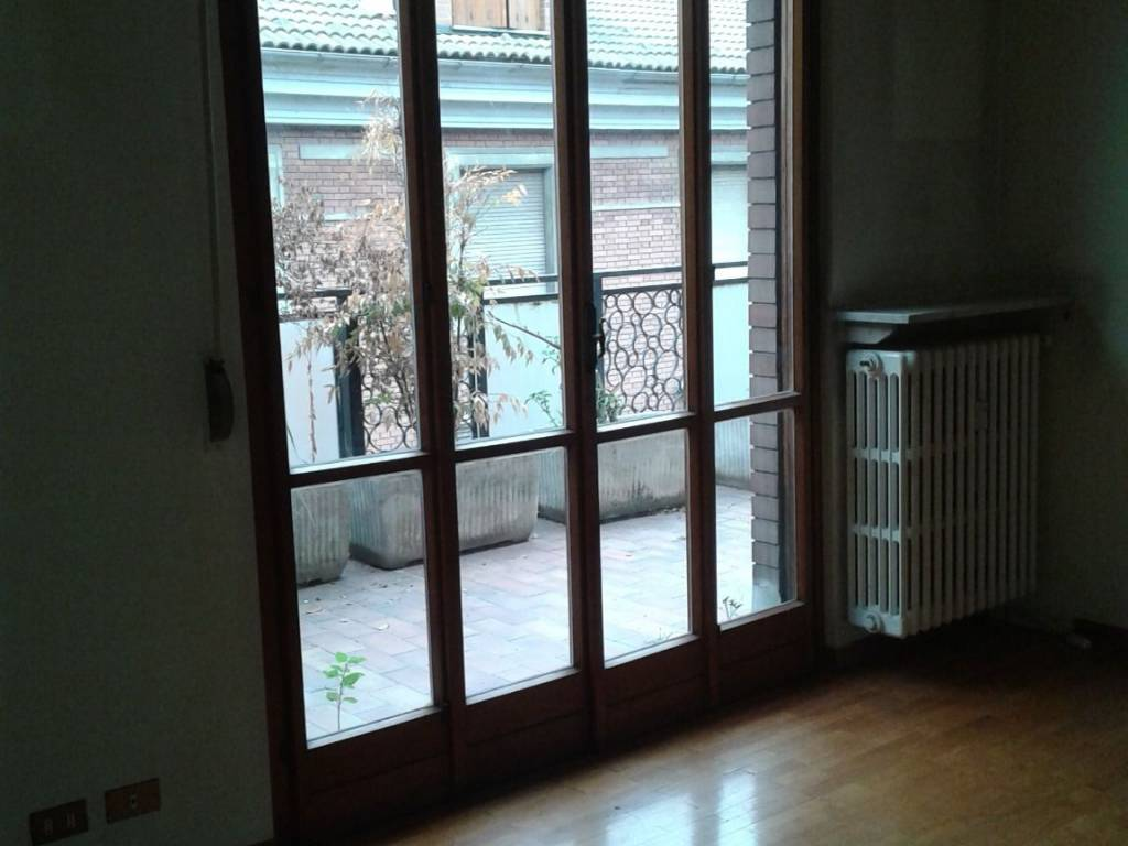 foto  Quadrilocale buono stato, quarto piano, Alessandria