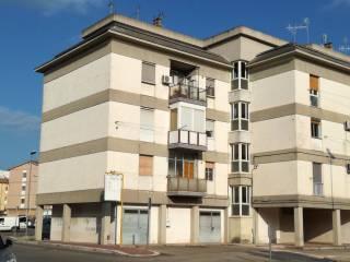 Foto - Appartamento via Gianlorenzo Cardone 2, Matera