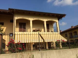 Foto - Trilocale via San Martino 8, Buttigliera d'Asti