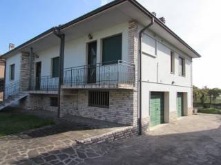Foto - Villa unifamiliare via Solferino e San Martino 33, Roverbella