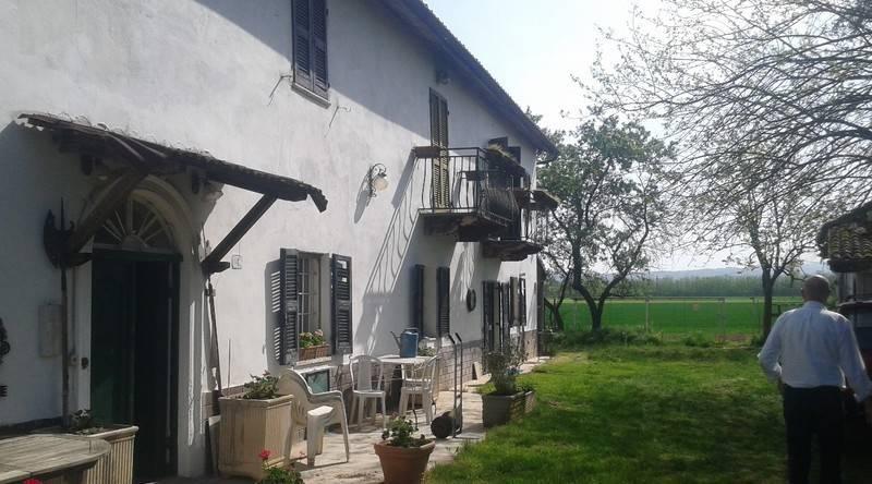 foto  Casa indipendente 280 mq, da ristrutturare, Tortona