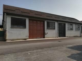 Annunci immobiliari affitto capannoni moncalieri for Affitto moncalieri privato arredato