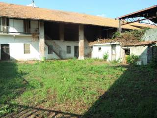 Photo - Country house, to be refurbished, 210 sq.m., Caluso