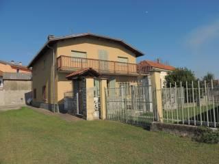 Foto - Villa via Alessandro Manzoni 2, Tronzano Vercellese
