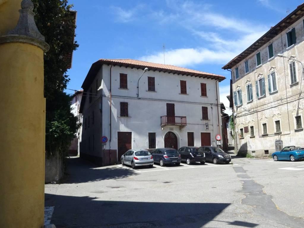 foto esterno Gebäude piazza Ferrini 2, Gozzano