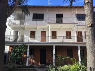 Foto - Palazzo / Stabile tre piani, buono stato, Bellinzago Novarese