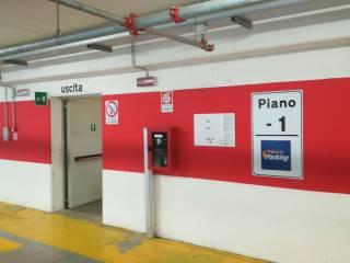 Case in Vendita: Modena Box / Garage viale Achille Fontanelli, Centro Storico, Modena