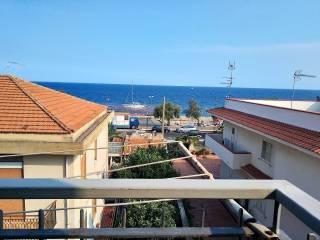 Foto - Trilocale via Giuseppe Garibaldi 72, Nizza di Sicilia
