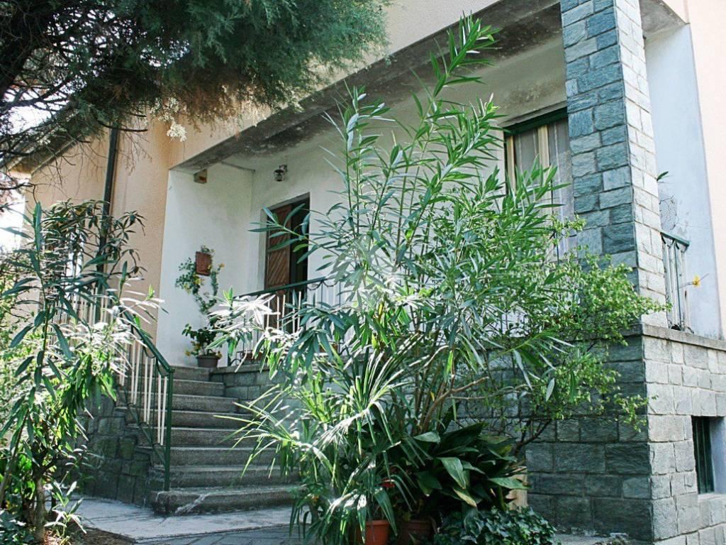 Via Cesana E Villa
