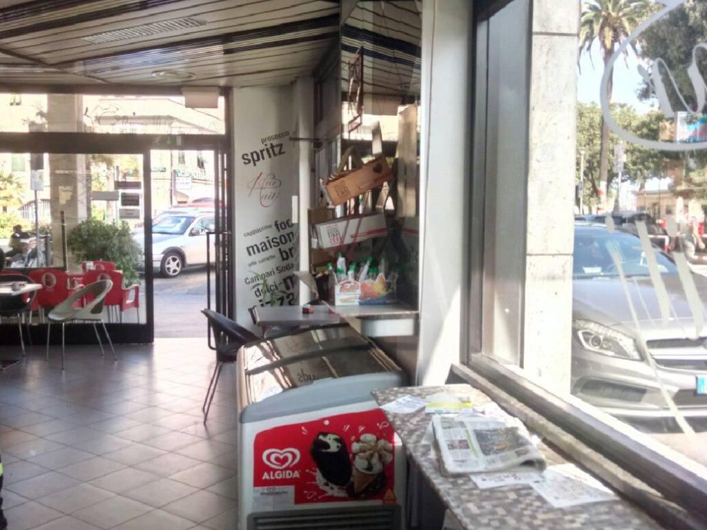 foto  Bar in Vendita a Vado Ligure