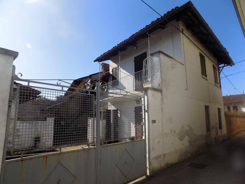 foto esterno Casa indipendente vicolo San Nicola 3, Caramagna Piemonte