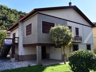 Foto - Casa indipendente via trento, Chiampo
