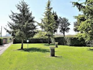 Foto - Terreno edificabile residenziale a Caprino Veronese