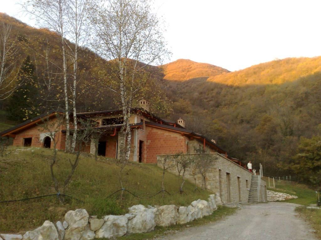 foto  Terraced house 4 rooms, new, Cenate Sopra