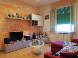 Foto - Trilocale ottimo stato, secondo piano, Venturina, Campiglia Marittima